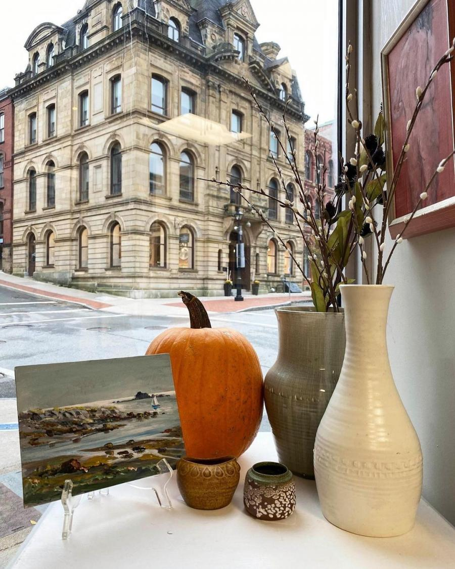 Gallery hopping in Saint John's historic district. Credit @cobaltartgallery